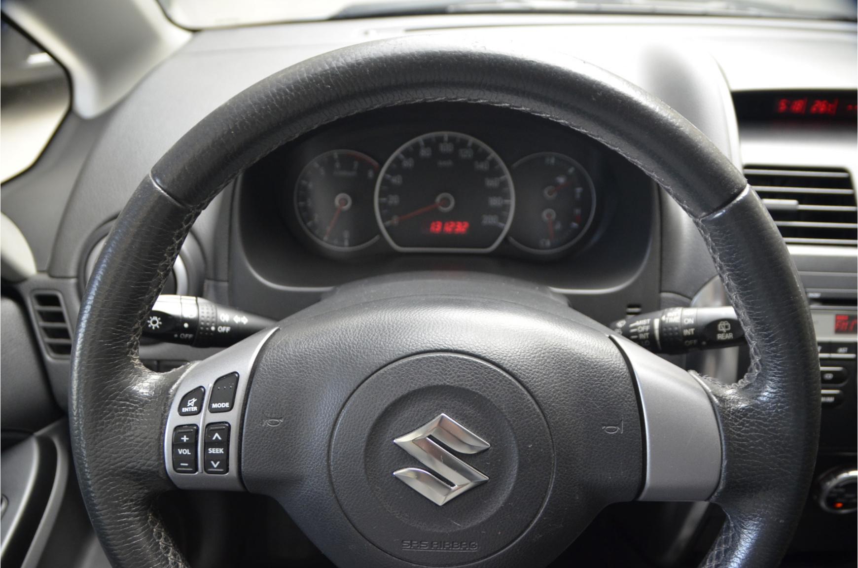Suzuki-SX4-13