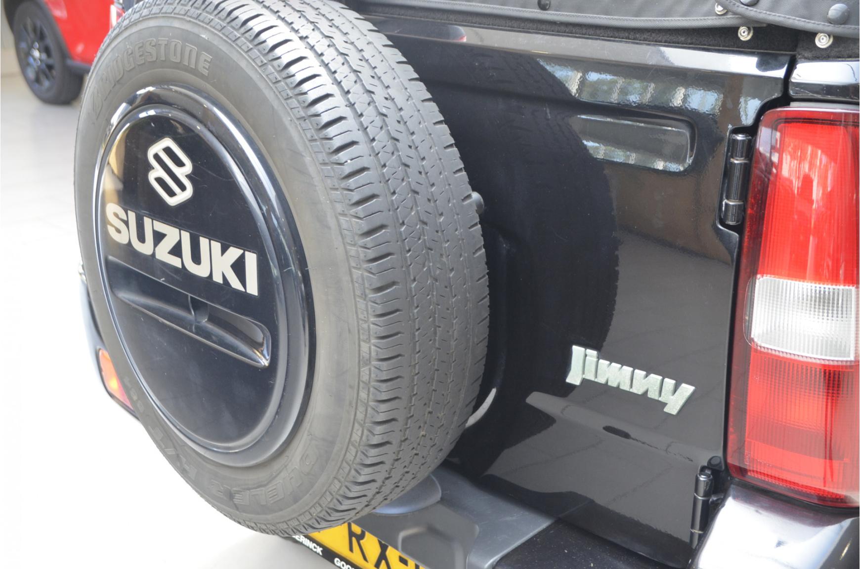 Suzuki-Jimny-21