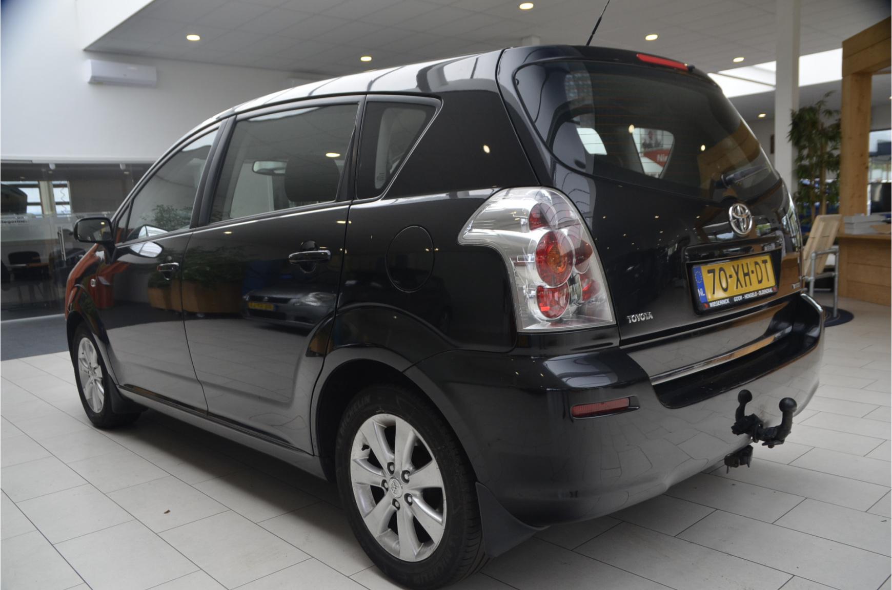 Toyota-Verso-2