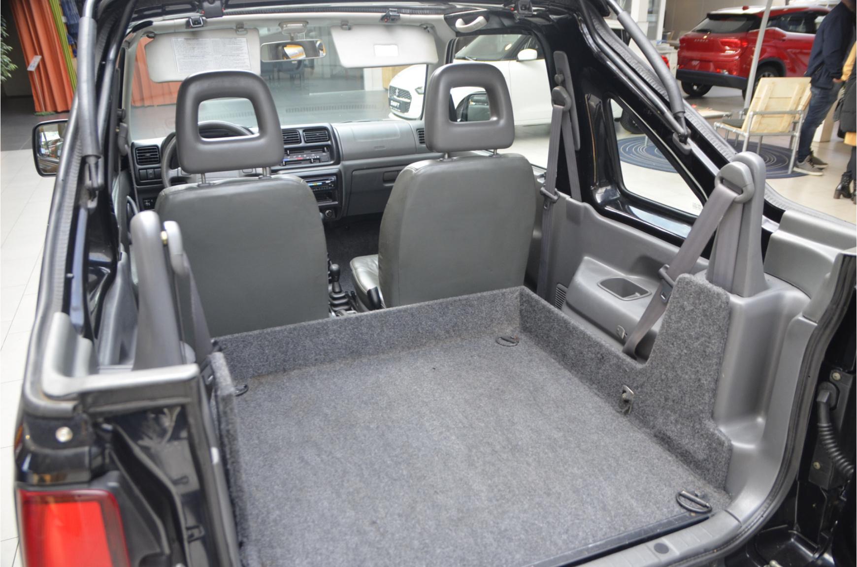 Suzuki-Jimny-13